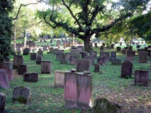 800px-Jewish_cemetery_Worms